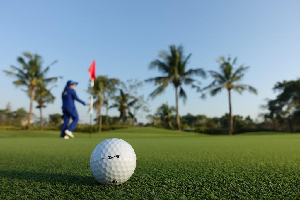 Thai Country Clubではハワイから取り寄せた「パスパラム芝」を使用している